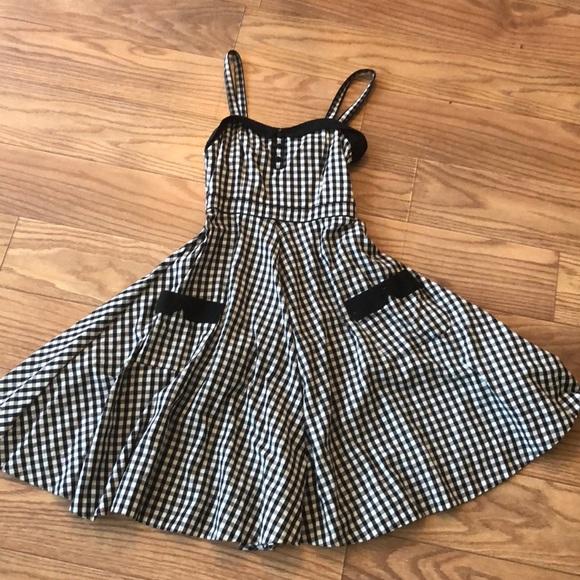 5fd78fa2dd4 H M Dresses   Skirts - Sophia Loren Italy black gingham swing ...